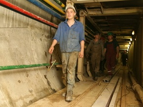Ъ: Открытие новых станций киевского метро в 2009 году под угрозой срыва