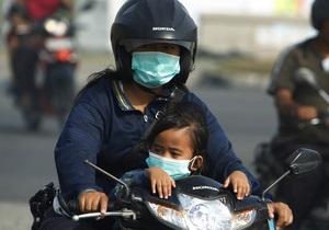 Сингапур окутан дымом из-за индонезийских пожаров. Страны обвиняют друг друга в появлении сезонной проблемы