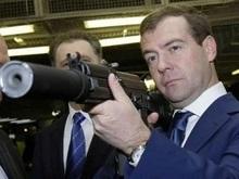 Ъ: ФСБ получила предупреждение о покушении на Медведева