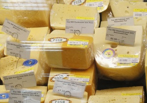 РИА Новости: Украина ответила на сырный спор законом, который не к чему применить