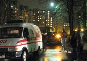 В Киеве джип сбил пожилого мужчину во дворе его дома