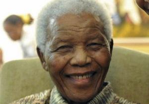 Мандела - Жена Нельсона Манделы заявляет, что ему становится лучше