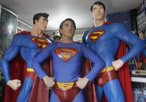 Фотогалерея: Я – Супермен. Филиппинец перенес четыре операции, чтобы стать похожим на супергероя
