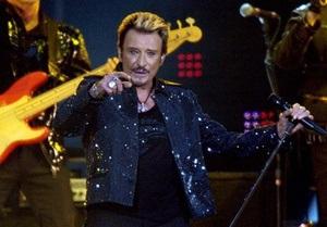 Легенда французского рока Джонни Холлидей впал в кому после операции
