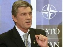 Ющенко оценивает итоги саммита НАТО как победу для Украины