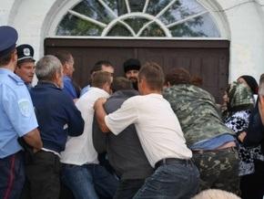 В Черниговской области подрались сторонники Киевского и Московского патриархатов