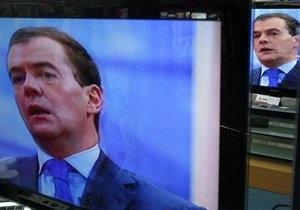 Медведев слушает Linkin Park и читает Пелевина