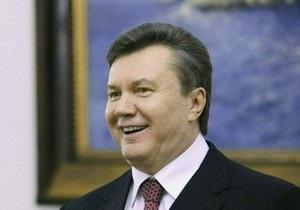 Опрос: Половина украинцев считают, что Янукович выполняет обещания или пытается это делать