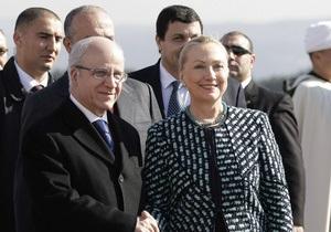 Клинтон: США не финансируют какие-либо партии в мире