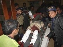 В крупнейшем городе Пакистана произошел масштабный теракт