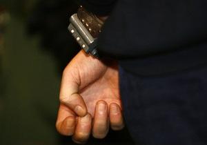 В Киеве задержали человека с оружием, взрывчаткой и бронебойными патронами