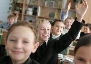 В украинские школы вернут медицинские осмотры учеников