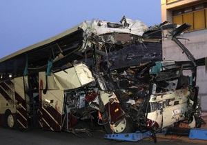 Крушение автобуса в Швейцарии: погибли 28 человек, среди них 22 ребенка