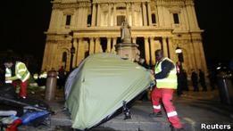Полиция сносит лагерь протестующих Захвати Лондон