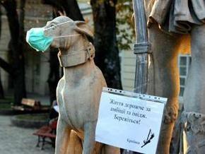 Эпидемия: Кабмин упростил процедуру госрегистрации медицинских масок