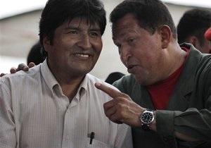 Чавес позвал всех революционеров в Twitter
