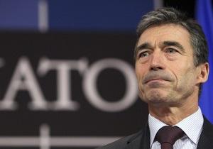 Генсек НАТО ожидает краха режима Каддафи