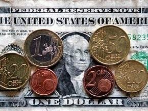 Доллар и евро рекордно взлетели на межбанке