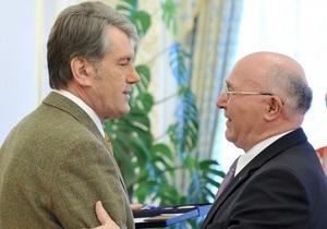 Томенко считает награждение Стельмаха орденом  бесславным завершением карьеры Ющенко