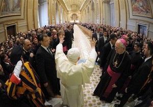 Папа Римский впервые прокомментировал секс-скандал с Берлускони