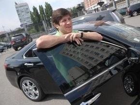 Тедеев заявил, что Mercedes с липовыми номерами ВР ему дал друг