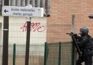 Напавший на детсад во Франции мужчина отпустил последнего заложника