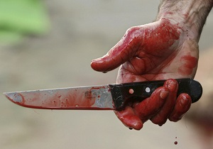 В Киеве неизвестный ранил ножом оператора СТБ - СМИ