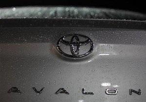 Toyota отзывает еще 373 тыс. автомобилей в США