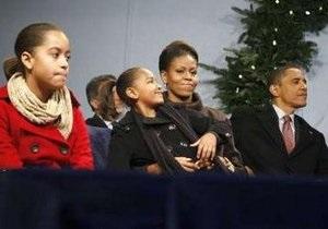 Семья президента США и собака Бо поздравили американцев с Рождеством