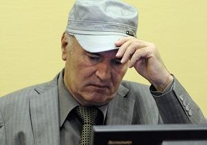 Ошибки прокуроров приостановили процесс над Младичем