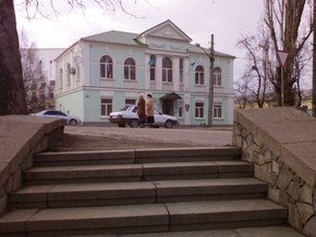 В Симферополе напали на здание Меджлиса крымских татар