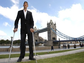 Фотогалерея: Турок стал самым высоким человеком планеты