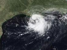 Шторм Эдуард угрожает США торнадо