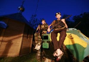 Фотогалерея: Каникулы с Калашниковым. Детский военный лагерь в российской глубинке