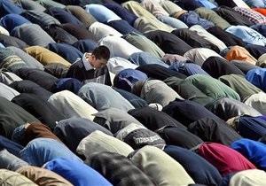 В Берлине мальчику-мусульманину снова запретили молиться в школе
