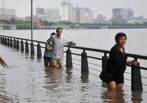 Потоп: Более ста человек погибли в результате наводнения в Китае