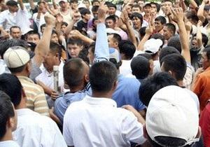 Узбекские пограничники не препятствуют переходу беженцев из Кыргызстана