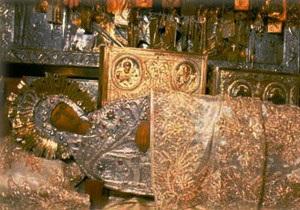 В Полтавской области в очереди к плащанице Пресвятой Богородицы умерла женщина