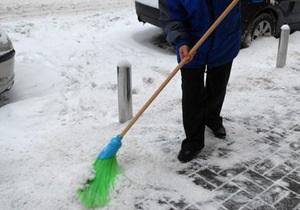 Попов: Киевские власти примут все меры, чтобы предприниматели убирали снег вокруг своих киосков