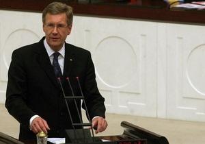 Президента Германии обвинили в обмане парламента