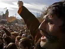 Президент Армении пока не собирается отменять режим ЧП