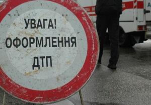 В Киеве столкнулись две маршрутки. Одна из них перевернулась