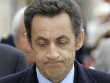 Саркози получает эротические посылки c угрозами