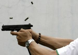 Почти половина взрослого населения США хранит дома оружие