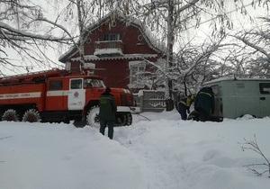 В нескольких областях Украины из-за снега обрушились крыши - снег - погода