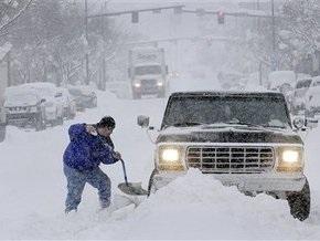 В США не прекращаются снегопады: отменены сотни авиарейсов
