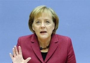 Пока рано увеличивать ресурсы антикризисных фондов Еврозоны - Меркель