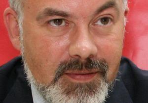 Табачник подписал приказ о новых правилах поступления в вуз