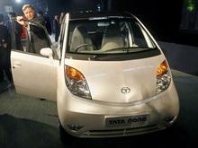 В Индии открылась крупнейшая выставка автомобилей