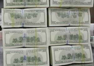Украинцы в августе купили рекордное количество валюты